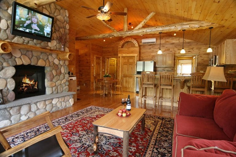 Eagles Nest - Luxury Adirondack Lodging near Gore Mountain